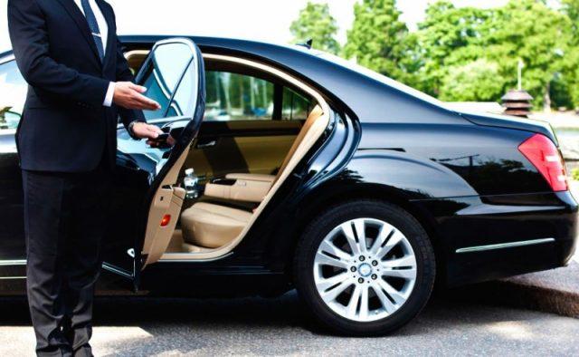 Comment opère un chauffeur VTC à son compte ?