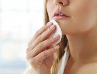 Faut-il nettoyer votre visage avec les cotons démaquillants réutilisables ?