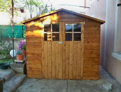 Comment redresser un abri de jardin ?