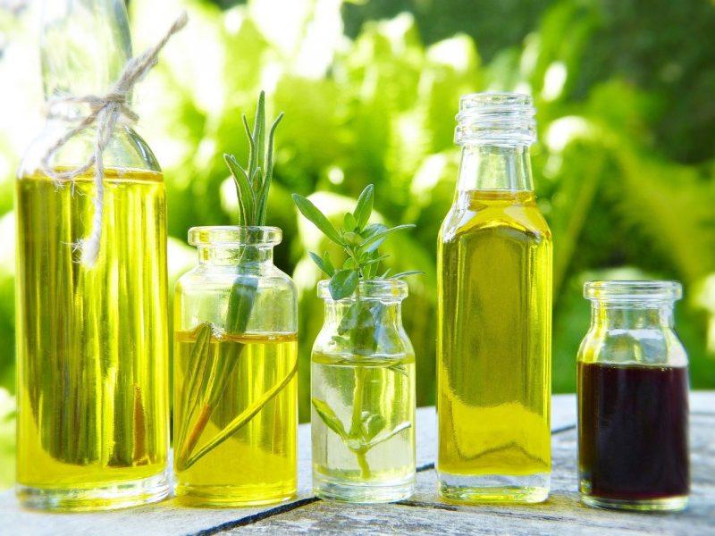 Beauté: les astuces de grand-mère connues à base de l'huile de ricin