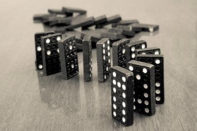 Comment jouer au jeu de dominos dans la version classique ?