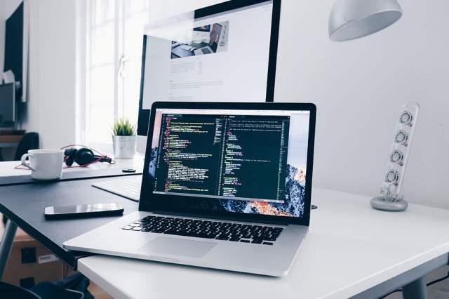 Comment se lancer dans le développement web ?